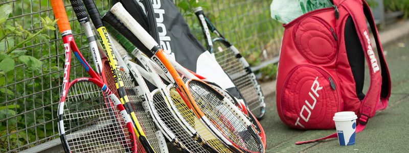 Looking for a healthy 2017? Then play tennis!
